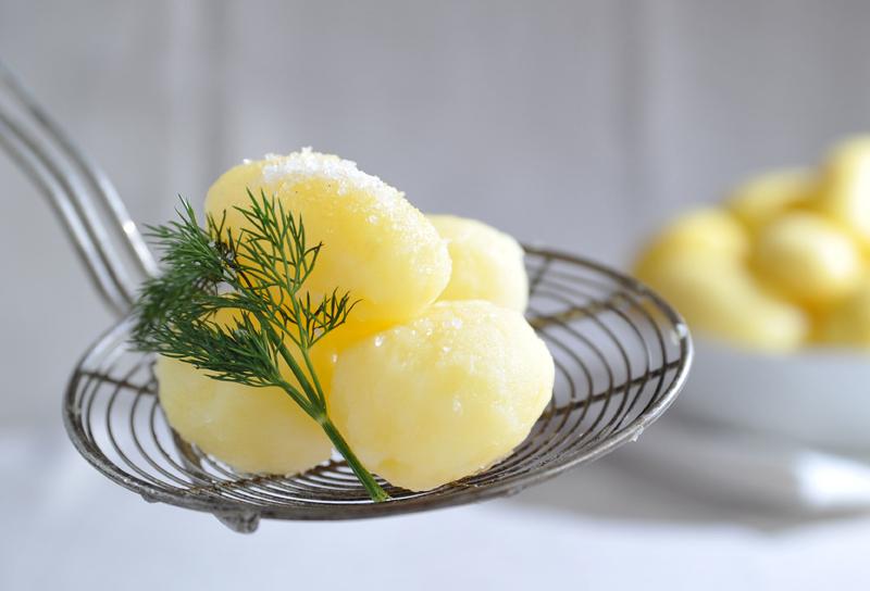 Veitsikuoritut perunat